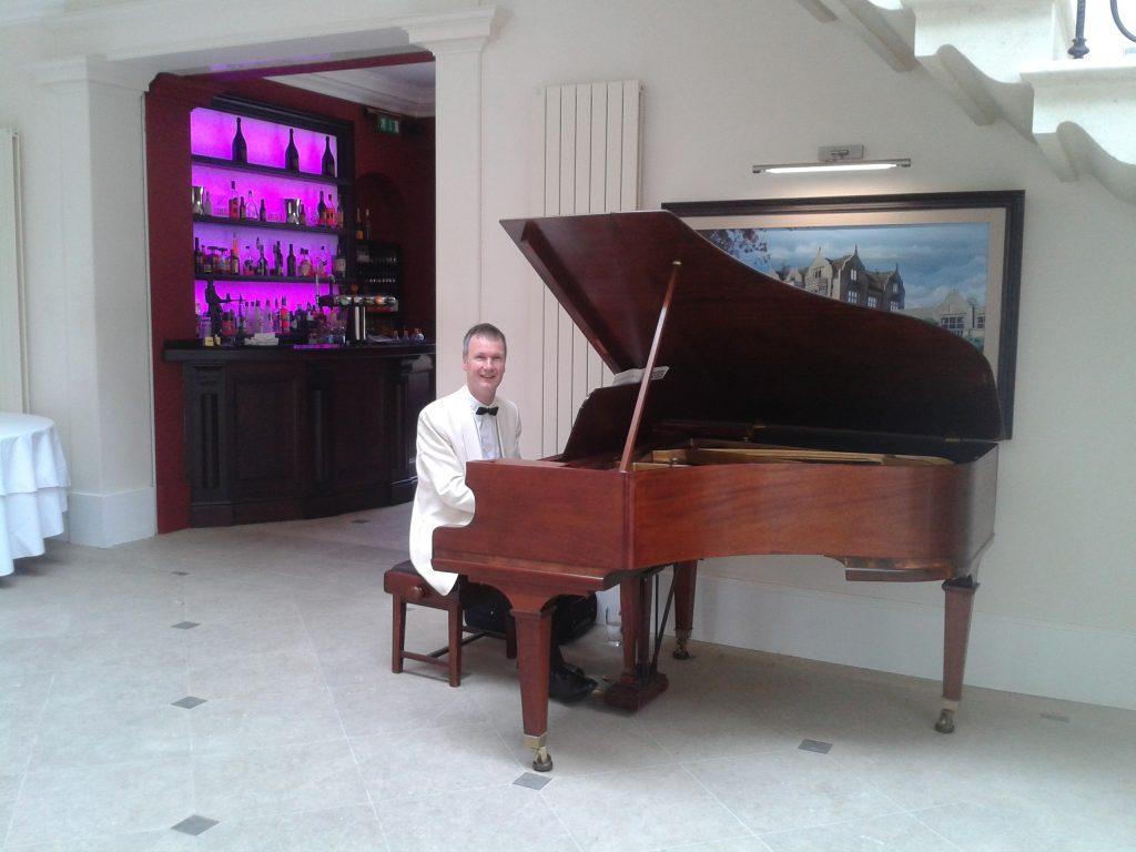 (c) Thebathpianist.co.uk